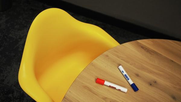solidne krzesła specjalistyczne