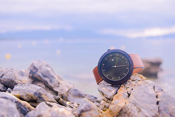 unikalne zegarki z drewna